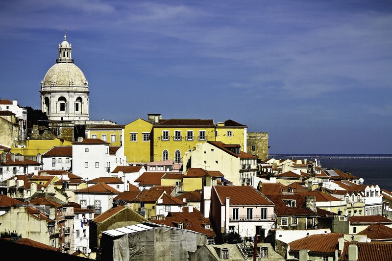 Alfama neighboorhood in Lisbon, one of the best places to listen to some Fado